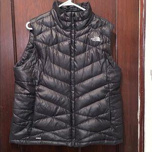 Womens 550 Black North Face vest
